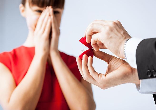 【ランキング】付き合って3年以内が多い!?皆がプロポーズを決めたタイミング