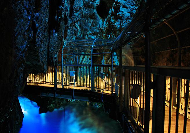 【恋人の聖地】岩手県にある日本三大鍾乳洞の一つ「龍泉洞」でプロポーズをしよう!