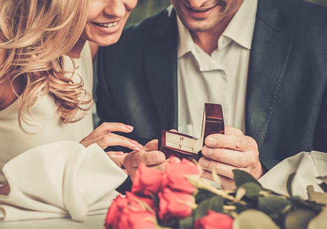 プロポーズの答えは「言葉」で決まる!? 成功へ導くトーク術