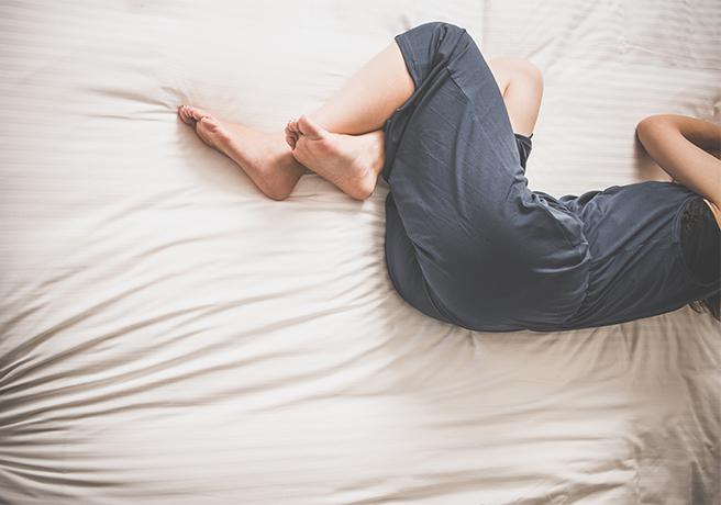 彼女が寝ている間にこっそり…?「寝起きドッキリ風」プロポーズを成功させるポイント
