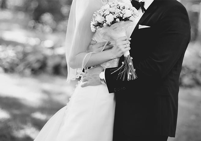 喪中期間は結婚式を挙げないほうがいい? 意外と知らない「喪中マナー」