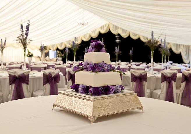 婚約カップル必見! 結婚式場の下見で確認すべき5つのポイント