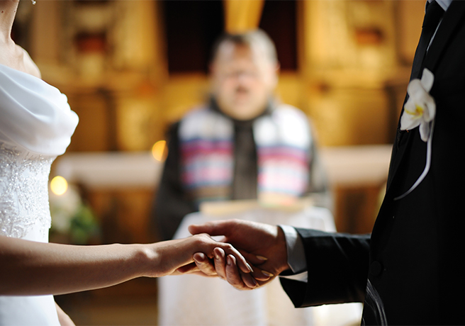結婚式の王道! 教会で挙げる「キリスト挙式」の流れとマナー