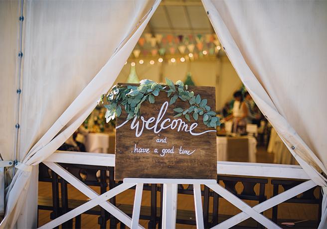 結婚式の定番アイテム「ウェルカムボード」のDIYアイデア