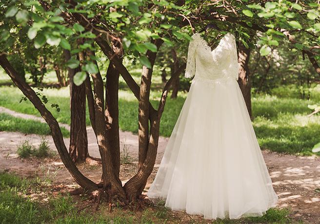 デコルテが重要! ウェディングドレスのネックラインの種類5つ