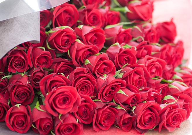 プロポーズ用の赤いバラの花束