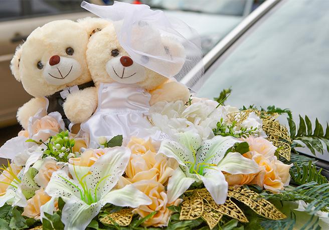 ウェディングベアと花束